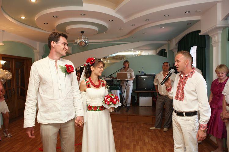 Свадебные платья в украинском стиле.